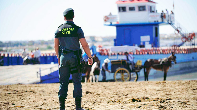 Guardia-Civil-Cop-Condor